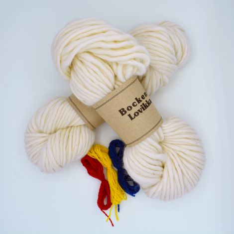Knitting kit Lovikka White